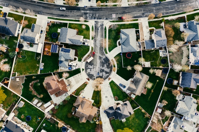 Aerial view of a neghborhood representing the real estate market in Albuquerque New Mexico